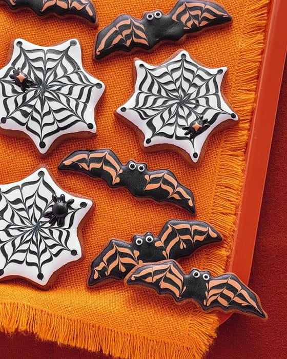 Bat & cobweb Cookies