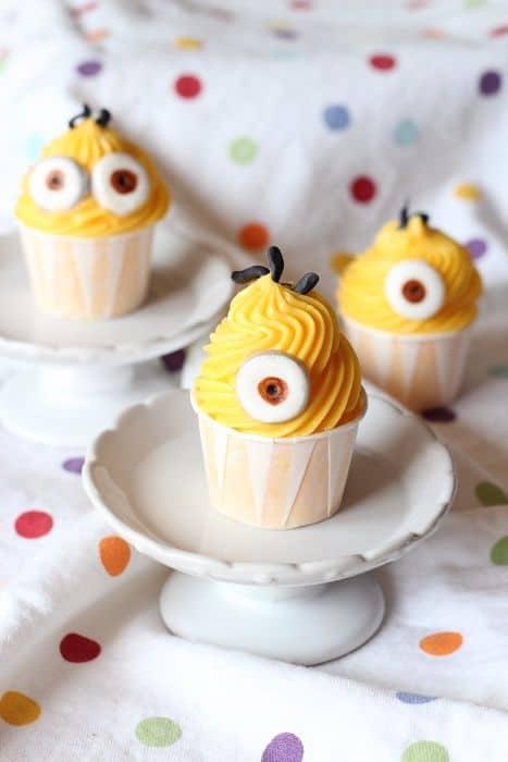 Easy Mini Minion Cupcakes