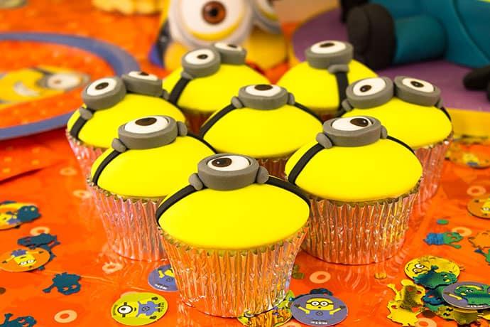 Minion Eye Cupcakes