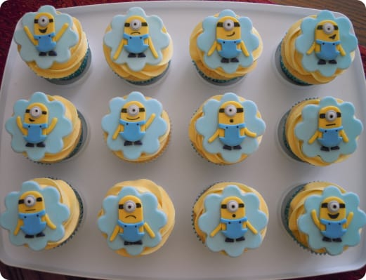 Minions Cupcakes with Expressions
