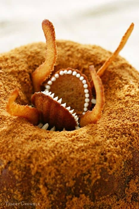 Star Wars Sarlacc Bundt Cake