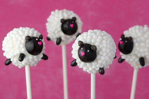 Bakerella Sheep Cake Pops