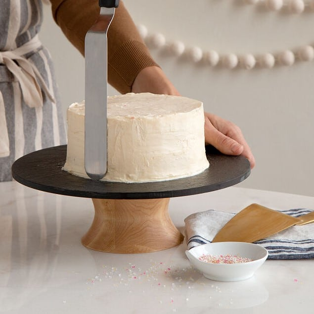 spin and serve cake decorating stand